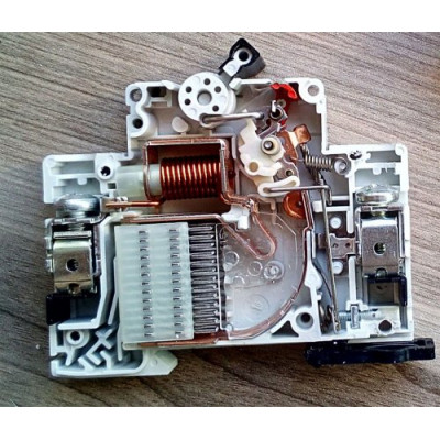 Автоматичний вимикач 1-п EATON xPole Home HL-C63/1